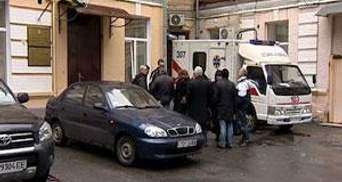 Печерський суд оголошує вердикт Валерію Іващенку, екс-чиновник сидить