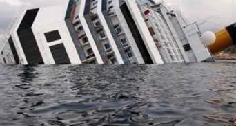"""Лайнер """"Costa Concordia"""" підніматимуть спеціалісти"""