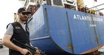 В Средиземном море задержали украинское судно с 6 тоннами оружия