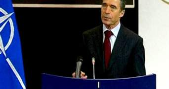 Генсек НАТО хвилюється за Тимошенко і не приїде на ЄВРО-2012