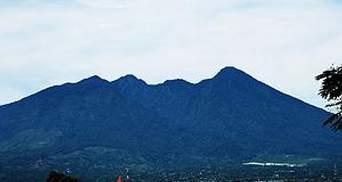 Очевидцы: Superjet-100 врезался в гору