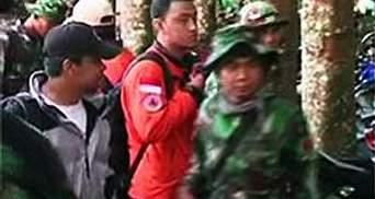 Власти: В авиакатастрофе в Индонезии не выжил никто