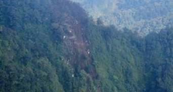 Район аварії літака SSJ-100 в Індонезії закритий для сторонніх