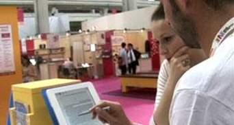 На Міжнародному ярмароку книг у Турині демонструють нові рідери