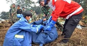 Пошук жертв катастрофи SSJ-100 в Індонезії припинили