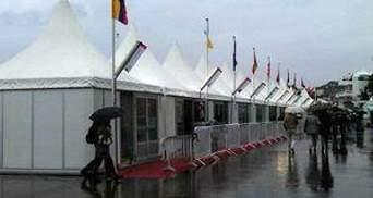 Роботу фестивалю у Каннах частково призупинила злива