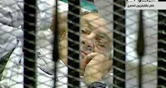 Хосни Мубарака приговорили к пожизненному заключению