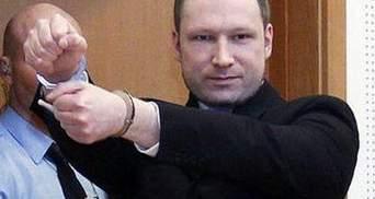 Адвокат Брейвіка хоче, щоб з його підзахисного зняли всі звинувачення