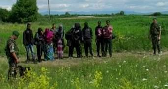 10 нелегальных мигрантов задержали закарпатские пограничники