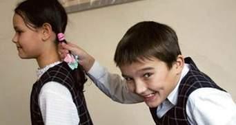 У Донецьку дітям кажуть писати позитивні твори про Ахметова і Януковича