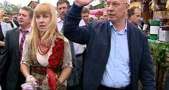 Азаров на Сорочинском ярмарке нашел замену проблемным Hyundai