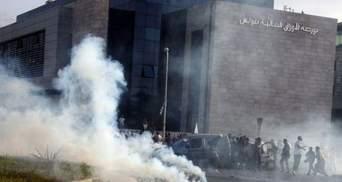 У Тунісі демонстранти пробились до посольства США