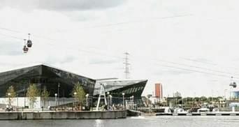 У Лондоні відкрили виставковий центр, дах якого вкритий сонячними панелями
