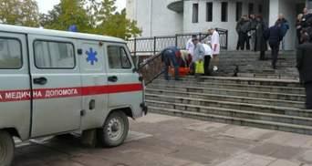 Очередная смерть на участке: в Черновицкой области умер избиратель (Фото, видео)