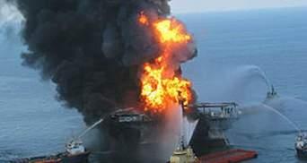 У Мексиканській затоці горить нафтова платформа: є жертви