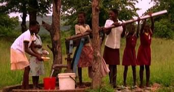 Зимбабве: трудности вперемешку с танцами