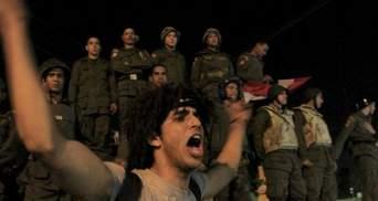 ХАМАСу 25 лет, празднуют десятки тысяч людей (Фото)