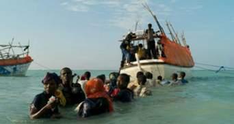 Из-за аварии на корабле погибли более 50 сомалийских беженцев