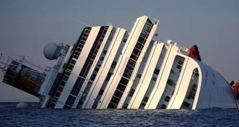 Німецькі туристи, які хотіли подивитись на Costa Concordia, ледь не потонули