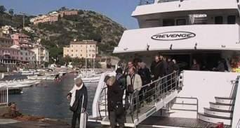 Жертв аварії Costa Concordia вшанували тисячі осіб