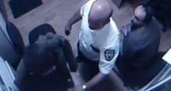 """Охоронець з """"Каравану"""" не хоче говорити з пресою про вбивства"""