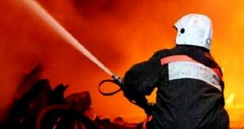 В Сумах дотла сгорели три автомобиля, еще четыре - повреждены