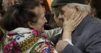 В киевском метро пенсионеры собираются, чтобы потанцевать и найти любовь (Фото, відео)