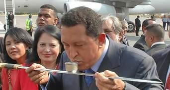 Уго Чавес за життя (Фото)