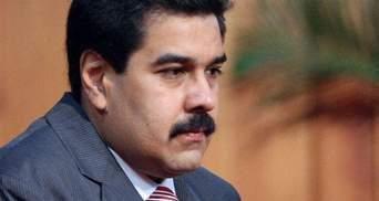 Чавеса временно заменили