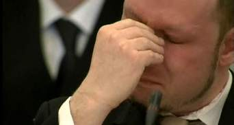 Брейвіка не відпустили на похорон матері