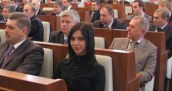 Молода регіоналка керує філармонією у Черкасах тимчасово, - міністр