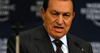 Суд оставил экс-президента Египта Хосни Мубарака под стражей