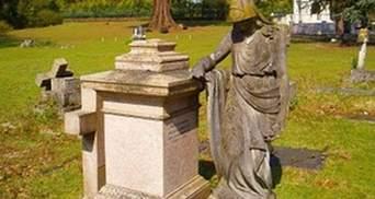 В Великобритании началась церемония погребения Березовского