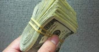 Украинцы отказываются от долларов: обзор валютного рынка за апрель