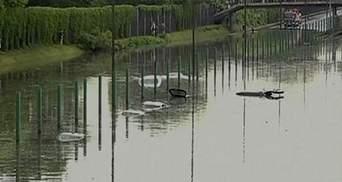 Повені у Європі: У Польщі під воду пішла дорога з автомобілями (Відео)