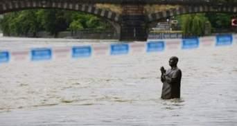 Через зливи Чехії загрожує нова повінь