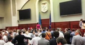 Оппозиция не видит оснований для лишения мандатов из-за Киевсовета