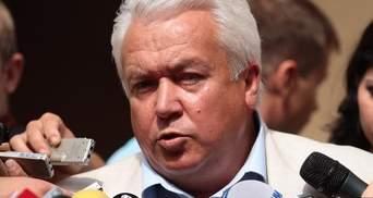Олійник вважає, що з такими маніями як у Тимошенко і Власенка треба у психіатрів лікуватися