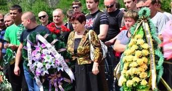 """У Горлівці поховали 5 загиблих на """"Стиролі"""""""