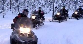 Сноумобили: скоростное путешествие увлекательными уголками Финляндии