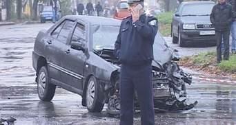 У Сумах авто правоохоронця вдарило маршрутку, від чого та перевернулась