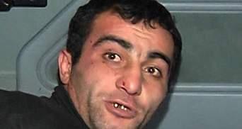 Батько підозрюваного у вбивстві азербайджанця вибачився за сина