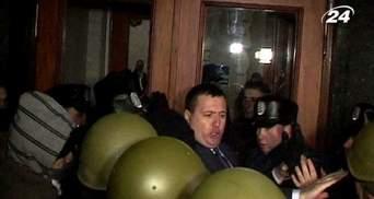 Бунт в регіонах: криваві сутички в Черкасах, Львів та Тернопіль — в барикадах