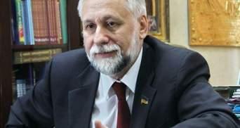 Якщо так піде надалі, то люди можуть переслідувати такого лідера держави, — Кармазін