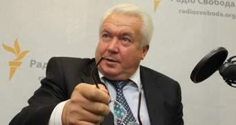Олійник спрогнозував, коли Янукович прийме відставку Азарова