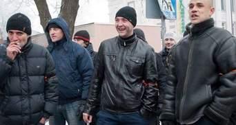 """Дай """"Беркуту"""" наказ прибрати цю нечисть, — у Донецьку звернулись до Януковича (Відео)"""
