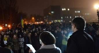 """У Миколаєві Євромайдан повернувся на своє звичне місце, захоплене на годину """"тітушками"""""""