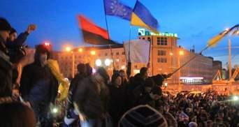 """Озброєні """"тітушки"""" напали на херсонських активістів, — Ігор Луценко"""