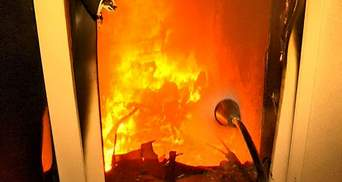 Невідомі підпалили будинок Симоненка та розтрощили Aston Martin (Відео)