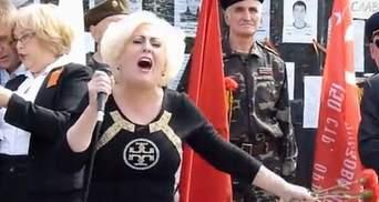 """Неля Штепа з'явилась на мітингу, щоб покликати Слов'янськ на """"референдум"""" (Відео)"""